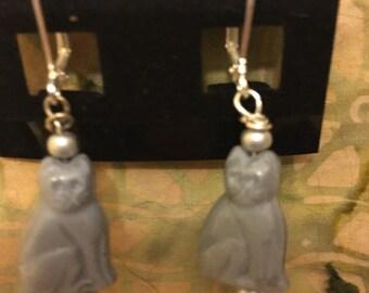 Grey kittie earrings