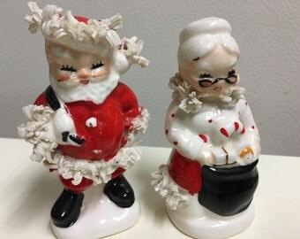 1950's Napco S920 Santa & Mrs Claus Salt and pepper