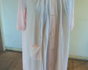 BEAUTIFUL Soft Girly Pink Robe With Lace and Roses