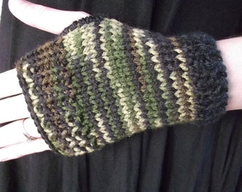 Womens Fingerless Mittens-Camo