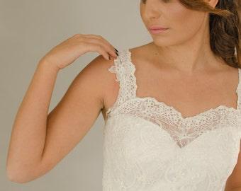 Sale!! Vintage wedding dress, Backless Wedding dress, Lace wedding dress,, Bridal dress, Wedding dress.