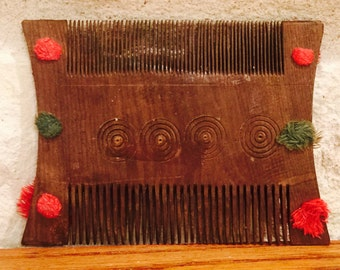RARE!  Antique Hand Carved Anglo Indian Boxwood Comb with Poms