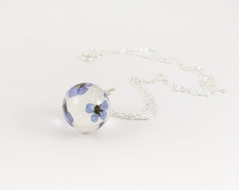 Blossom chain forget-me-not ball