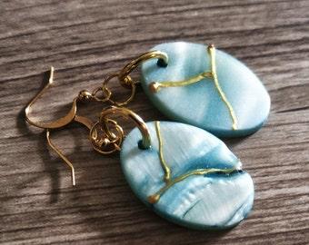 Earings gift for her handmade painted resin art shell simple earings everyday earings drop earings minimaliste bleu gold gel beach wedding