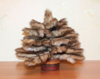 Squirrel Souvenir Tail Tree Taxidermy Animal Mount (New, Life Size)