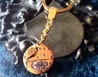 Steampunk Keychain Golden with clock movement