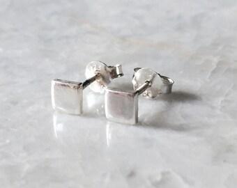 Minimal square ear studs, Sterling silver minimal square ear studs, Minimal square earrings, Cartilage ear stud, Minimalist jewellery (ES27)