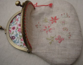 Linen handembroidered pouch with clip closure,coin clutch,make up pouch,unique handmade purse