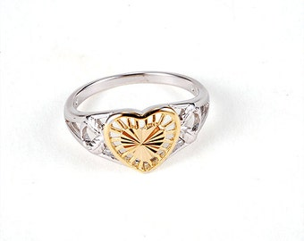 Ring with heart in gold