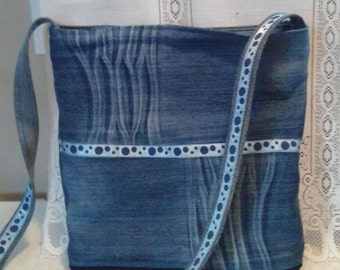 Bag recycled, completely closed with zipper and inside pocket jean