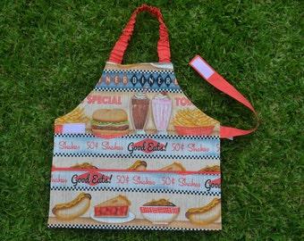 Girls apron, kids apron, Self-sufficiency apron, Montessori apron, childrens apron, preschool apron, 2 to 3 years, take away food, diner