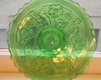 Northwood Green Glass candy / Bonbon Dish
