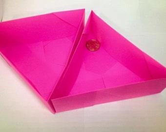 Triangle Box Six Piece (Medium Sized)