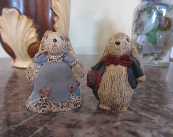 Mr.and Mrs. Bunny - Resin Collectibles /The Constance Collections