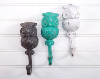 Set Of 3 owl Hooks /  Cast Iron Hook/ OWL Decor /Towel Hooks  / Woodland/ Nursery Decor / GRAY / WHITE / Aquamarine / Rustic