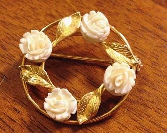 Rose wreath brooch