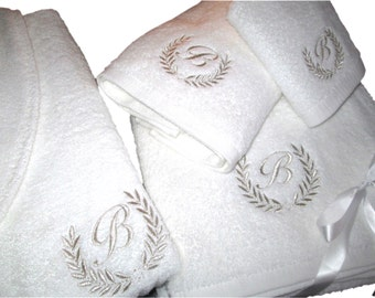 5* Hotel Edition White Set - Bathrobe, Bath Towels with Silver Thread Personalized
