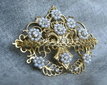 Traditional Spanish brooch, gold plated with Swarovski, floral motif