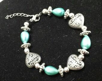 Glass pearl beaded heart bracelet