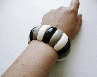 Vintage 1980s Chunky Plastic Bracelet