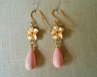 Flower Dangle Earrings, Floral Earrings, Flower Earrings