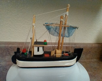 Cool Vintage Small Sized Boat/Ship