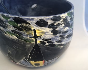 This yarn bowl will make you the most popular in your knitting club.  Colors and finish may vary
