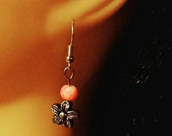 Gorgeous petite flower charm earrings