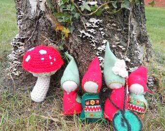 OAK Handmade Christmas Faceless Felt Gnomes