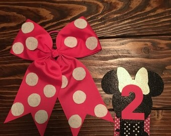 Minnie Mouse Birthday Badge and Bow