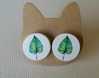 Handmade wooden leaf stud earrings 15mm