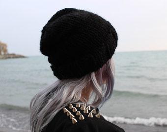 HAND-KNIT noir HAT