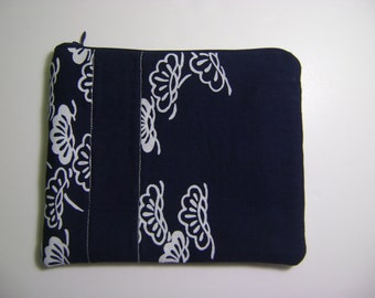 Small Repurposed Kimono Cotton Pouch or Cosmetic Purse