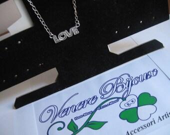 Collana con scritta Love