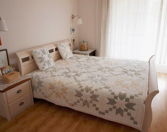 queen size quilt, star quilt, modern quilt, homemade quilt, patchwork, patchwork quilt, handmade quilt, quilted pillow shams, bedding,