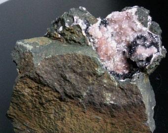 Manganese on quartz