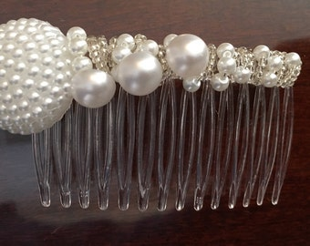 Pretty in Pearls hair comb