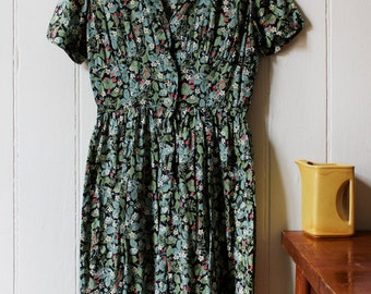 Vintage 1960's floral strawberry dress - Small to Medium.