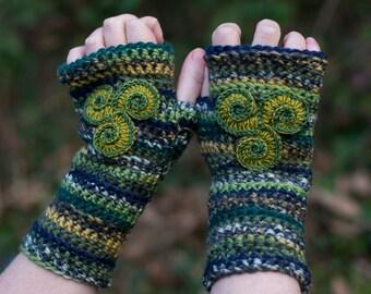 Triskele crochet fingerless mitts