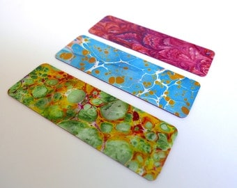 3 bookmarks illustrated with reproductions of marbled paper - 1