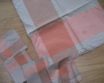 Mid-century tablecloths (2) and napkins (2 sets)