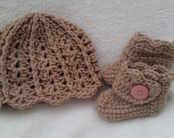 Baby Hat and Booties/scalloped edge baby hat/ shell edge baby booties