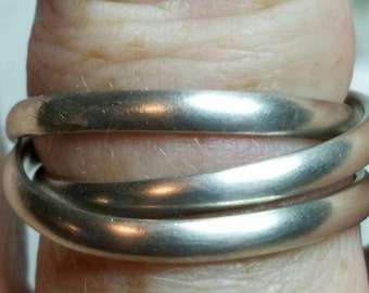 Sterling silver interlocking bands