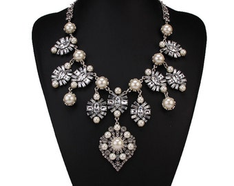 SALE + FREE SHIPPING! Victoria Necklace