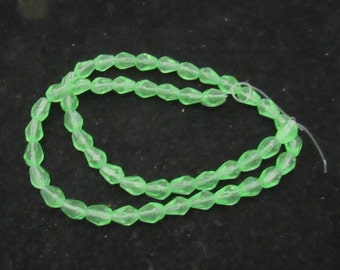 1 Strand Faceted Glass Teardrop Beads 8 x 6mm Spring Green (B26b1)