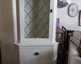Leaded Widow corner display cabinet and cupboard 12