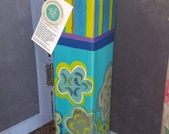 "Blue Green Poppies - ""Peace Pole""/Garden Art Post"