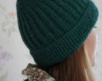 Hand knitted hat. Women winter/autumn hat made of soft yarn (50% alpaca, 50 nylon). Gifts for her. Accessories.