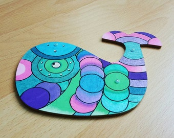 Hand painted wooden Decoration: Happy Whale