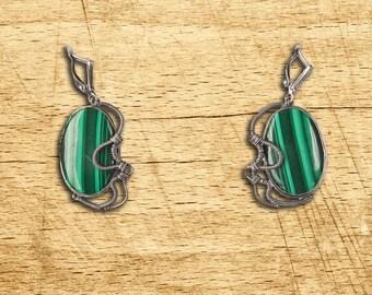 Earrings green from malachite